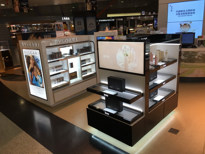 OUYEE one-stop makeup store display at discount for decoration-4
