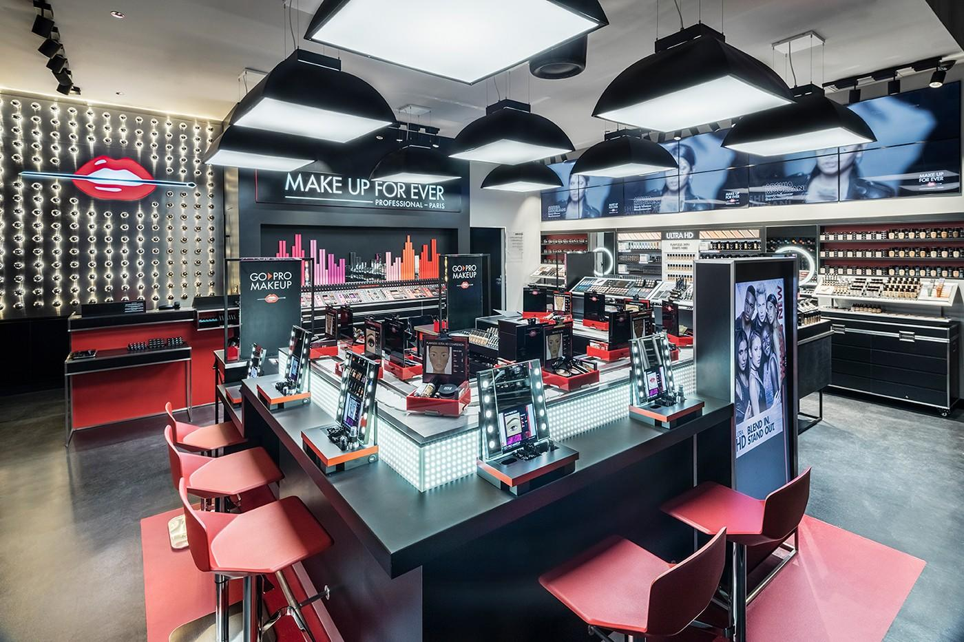 OUYEE Brand furnitures cosmetic shop design factory