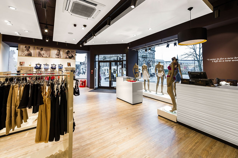 clothing store design high-end universalunderwear display-5
