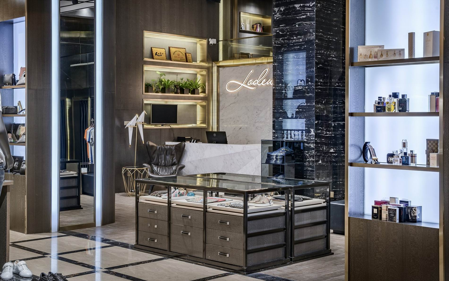 OUYEE free delivery tailoring shop interior design at discount underwear display-4