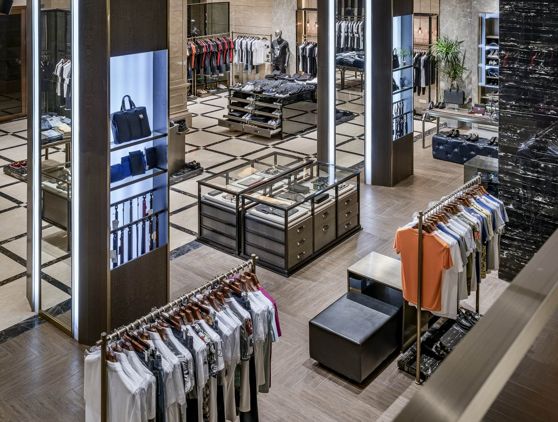 OUYEE free delivery tailoring shop interior design at discount underwear display-8