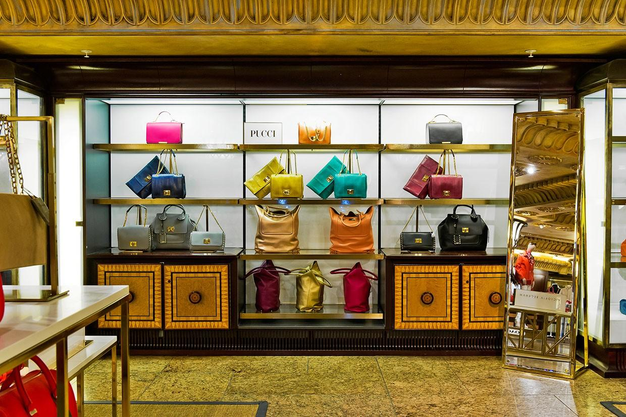 OUYEE chic shoe shop interior design eye-catching for business-1